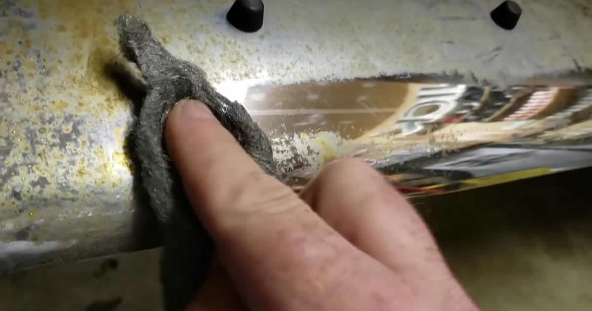 Polishing chrome with steel wool 0000